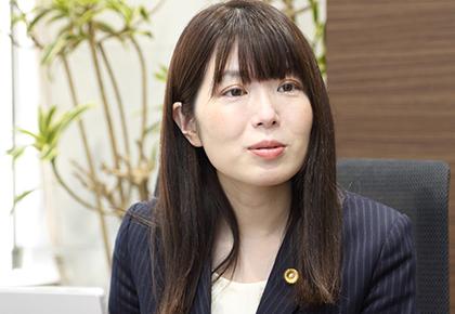 弁護士:坂本 志乃