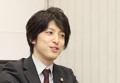 弁護士:山浦 雄一郎